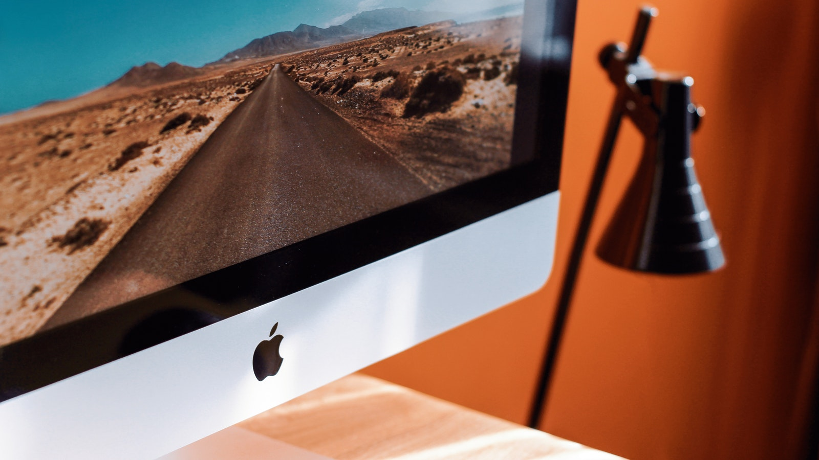 close up photography of imac turned on 1034650 | Apex Fiduciary Advisors | Personalized Professional & Accredited Investment Advice & Retirement Planning in Middleton, Wisconsin